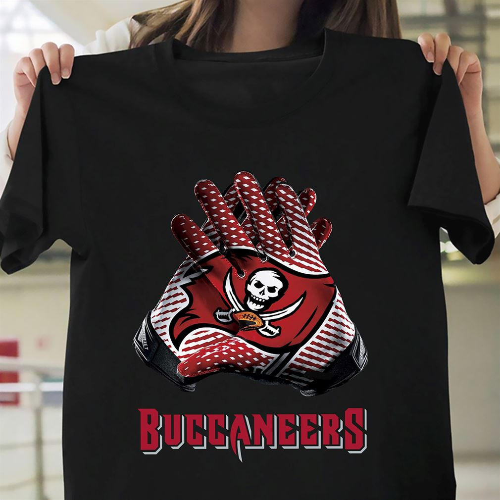 Tampa Bay Buccaneers T-shirt - Nfl Gloves Design S-5xl Tampa Bay Buccaneers 2021 Super Bowl Lv Football Champs Gift Fan